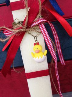 Easter Aromatic Candle with a little Chick with Red Bow _ Necklace _ Easter Collection _ Special Edition _ Polymer clay by MarisAlley on Etsy Bow Necklace, Polymer Clay, Gift Wrapping, Easter, Bows, Candles, Christmas Ornaments, Unique Jewelry, Holiday Decor