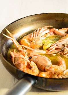 Dublin Bay prawns (Langoustines) in garlic and white wine