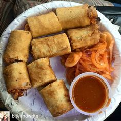Via @biteandwrite - Today you can easily get varieties of spring rolls around every street of Delhi. Available in both veg and non-veg rolls have become the lifeline of every hungry delhiite. Had these lip smacking spring rolls at a small shop Flavours Pitam Pura#biteandwrite#Foodblogger #foodlover #foodfoodfood #goodfood #f52grams #foodisbae #foodstalker #food #foodie #yummyfood #delhifoodlover #mumbai #mumbaiblogger #Mumbaifoodblogger #mumbaifoodie #delhifoodgramer #delhifoood #dfordelhi…