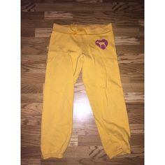 Victoria's Secret Pink pants Super cute Victoria's Secret boyfriend pants, worn a few times, great condition, no rips, or stains. The fuzz is kind of worn down from washing. PINK Victoria's Secret Pants Track Pants & Joggers