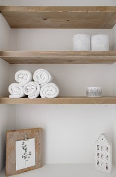 Home Decor Styles Home Decor Styles, Diy Home Decor, Wc Set, Small Toilet Room, Toilette Design, Toilet Paper Roll Crafts, Nautical Bathrooms, Bathroom Interior Design, Downstairs Loo
