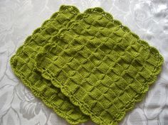 Winter 2011 knitting projects:  Dishcloths & Washcloths.  More eco-friendly & something fun to do when stuck inside with Ohio winters!