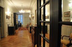 Parcourez des milliers d'idées décoration et aménagement de entrées et couloirs provenant de professionnels de la maison. Retenez les meilleures idées dans vos Coups de Coeur.