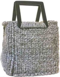 Volumetric knitted bag: free pattern/tutorial