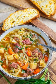Corned Beef and Cabbage Soup Recipe : A simple and tasty corned beef and cabbage soup! Corned Beef Soup, Corned Beef Recipes, Corned Beef Sandwich, Meat Recipes, Recipies, Corn Beef And Cabbage Soup, Cabbage Soup Recipes, Recipe For Corned Beef And Cabbage, Honey Garlic Chicken