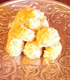 This is delicious southern cookie ball, has been a favorite around these parts for many years.  Its quick and easy and very tasty, and is a great flavor change for the holiday cookie platter.