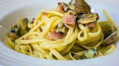 Ricette per casalinghi disperati, DILF in cucina, spaghetti vongole e pancetta
