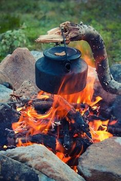 Op de meeste campings mag geen open vuur gestookt worden (de Cobb vaak wel), maar als het mag, dan graag!