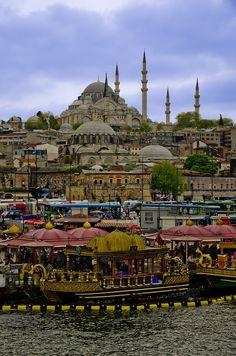 http://travelwithpratibha.tumblr.com/post/44889416818/istanbul-turkey