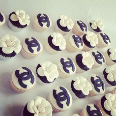 Chanel cupcakes by Zalig Zoet