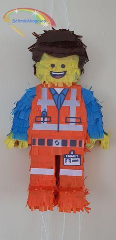 Emmet Lego pinata by Schminkkoppies #emmet #lego #pinata #honemadepinata #schminkkoppies