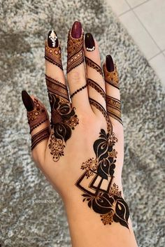 One of the most popular places to have henna is on the hands. So, today we are bringing you 21 amazing henna hand designs that are a work of art! Henna Hand Designs, Dulhan Mehndi Designs, Mehandi Designs, Mehndi Designs Finger, Modern Henna Designs, Mehndi Designs Feet, Floral Henna Designs, Pretty Henna Designs, Arabic Henna Designs