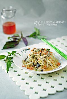 :) Vietnamese Green Papaya Salad Recipe (Gỏi Đu Đủ) | Indonesia Eats | Authentic Online Indonesian Food Recipes