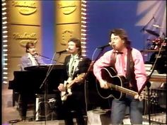 The Nitty Gritty Dirt Band - Fishin' in The Dark (Live on Nashville Now ...