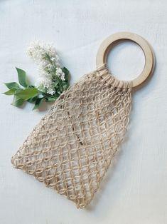 Crochet Wallet, Macrame Bag, String Bag, Boho Diy, Knitted Bags, Needle And Thread, Handmade Bags, Small Bags, Fiber Art