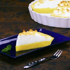 Lemon pie: fluffy like a cloud with a touch of summer pie cake Sweet Recipes, Cake Recipes, Dessert Recipes, Good Food, Yummy Food, Food Cakes, Bakery, Cooking Recipes, Healthy Cooking