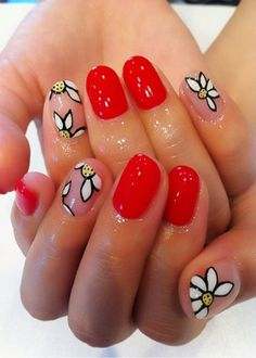 Distinctive Bright Nail Art Inspiration in Red