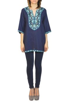 KAS LEILANA...Leilana is a KAS classic. A straight tunic with eye-catching embroidery along the neckline and side pockets. This is great for spring when paired with skinny pants and heels !
