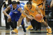 Tekele Cotton steals the ball and the Shocker win the MVC title 2014!