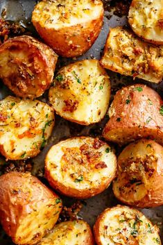 Herbs, garlic, and parmesan cheese are roasted together to make the best Crispy Browned Butter Parmesan Roasted Potatoes! A delicious side dish with so much flavour, these potatoes go with ANYTHING! Small Potatoes Recipe, Best Roast Potatoes, Parmesan Roasted Potatoes, Butter Potatoes, Small Red Potatoes, Crispy Potatoes, Garlic Parmesan, French Potatoes, Parmesan