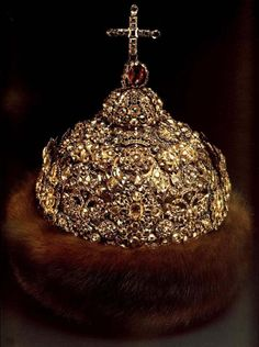 Diamond Cap 1682 – 1687 Gold, silver, precious stones, pearls, fur, casting, embossing, carving, enamel. Armoury Chamber Moscow. Belonged to tsar Ivan Alekseevich Created by Moscow Kremlin's jewelers.