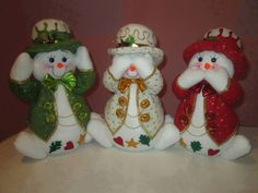Felt Christmas, Christmas Snowman, Christmas Humor, Xmas, Christmas Ornaments, Snowman Crafts, Felt Crafts, Diy And Crafts, Quilting
