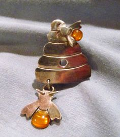Mexican-Sterling-Silver-Beehive-Bee-Hive-with-Bees-Amber-Resin-Pin-Brooch