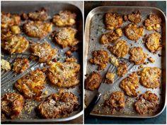 Pečené rozmáčklé brambory s parmazánem