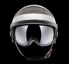 "MOMODESIGN Ice Helmet ""Protect The Head & Eyes"""