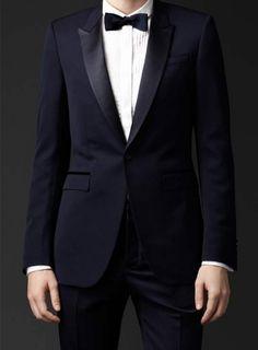 メンズフォーマルウェアを代表するタキシード。ポールスミスのものはただいまMMにて発売中!http://morgansmenswear.com/product/38
