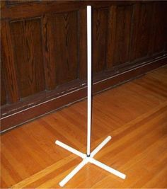 How to make a super easy lightweight stand out of PVC pipe... - HauntForum