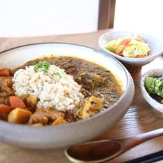 2016.3.2 . 昨日のランチ。 さいたま新都心の マールーウさんにて。 . 小さな記事だけど 一応取材だったのでした。 . 大宮にあった時から好きで よく行っていたから 久しぶりに食べられて 嬉しかったなぁ〜☺︎ . . #カレー #maru #カフェ #家カフェ #隠れ家カフェ #野菜たっぷり #野菜が美味しい #玄米ご飯 #さいたま市 #さいたま新都心