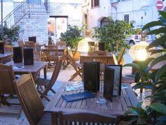 Pantarei wine Bar, Gioia del Colle (Bari). Click...