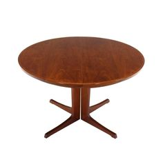 e226de4f3f8c Round Danish Mid-Century Modern Teak Dining Table with Two Leaves at 1stdibs  Round Dining