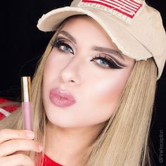 Superbowl weekend is here . I am wearing Cher hydra matte liquid lipstick by @gerardcosmetics ❤️❤️❤️ Don't miss the SuperBowl sale! Use code SB50 for 50% Off on www.gerardcosmetics.com *code does not apply to items already on sale #gerardcosmetics #pinkperception