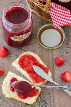 33 Homemade Jam and Jelly Recipes Jelly Recipes, Jam Recipes, Canning Recipes, Freezer Recipes, Homemade Strawberry Jam, Strawberry Picking, Strawberry Jam Recipe, How To Make Homemade, Food To Make
