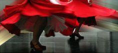 How to sew a big full swishy twirly skirt, a.k.a. flamenco :)