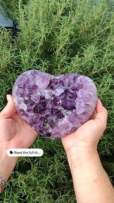 Crystals Minerals, Crystals And Gemstones, Stones And Crystals, Amethyst Cluster, Amethyst Crystal, Natural Healing, Crystal Healing, Good Whiskey, Magic Art