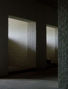 Photograph by the Dutch photographer 010labIMarco Jongmans of the crypt inside the Vals monastery designed by the Dutch monk/architect Dom Hans van der Laan. The play between light and shadow create the right atmosphere in this underground space.