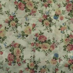AA10 White Romantic Floral Pattern