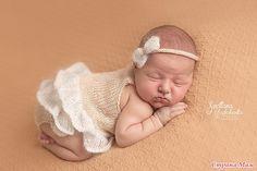 Бодики и комплекты для новорожденных девочек и мальчиков.