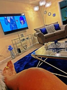 Cute Living Room, Living Room Decor Colors, Decor Home Living Room, Glam Living Room, Living Room Designs, First Apartment Decorating, Apartment Ideas, Room Ideas Bedroom, Dream Rooms