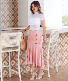 Dope Fashion, Modest Fashion, Fashion Outfits, Conservative Outfits, Future Clothes, Blouse And Skirt, Business Casual Outfits, Fashion Lighting, Church Outfits