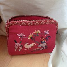 Small clutch/coin purse Embroidered, from Taiwan. Bags Clutches & Wristlets