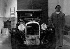 Antigua foto de mecánico de coches MÁLAGA
