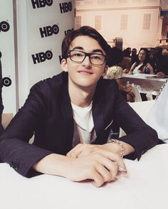 Game of Thrones ( Isaac Hempstead-wright, Rangers Apprentice, Bran Stark, Game Of Thrones Cast, Cute Little Boys, I Have A Crush, San Diego Comic Con, Film Stills, Warner Bros