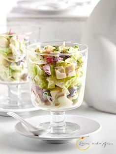 Sałatka Wielkanocna- z jajkiem, serem i warzywami w sosie chrzanowym Fruit Salad, Party, Food, Healthy Food, Fruit Salads, Essen, Parties, Meals, Yemek