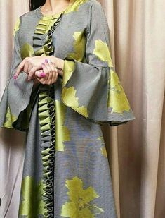Abaya Style 861524603696513856 - Khaliji Source by asouembot African Fashion Dresses, African Attire, African Wear, African Dress, Fashion Outfits, Iranian Women Fashion, Indian Fashion, Mode Abaya, Hippy Chic