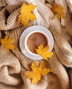 Coffee And Books, Coffee Love, Coffee Art, Autumn Coffee, Autumn Cozy, Coffee Photography, Autumn Photography, Coffee Photos, Autumn Aesthetic