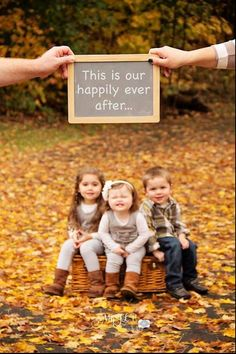 Cutest family photo idea ❤ Love it! Totally doing this with the girls!
